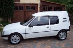Peugeot_205_0301